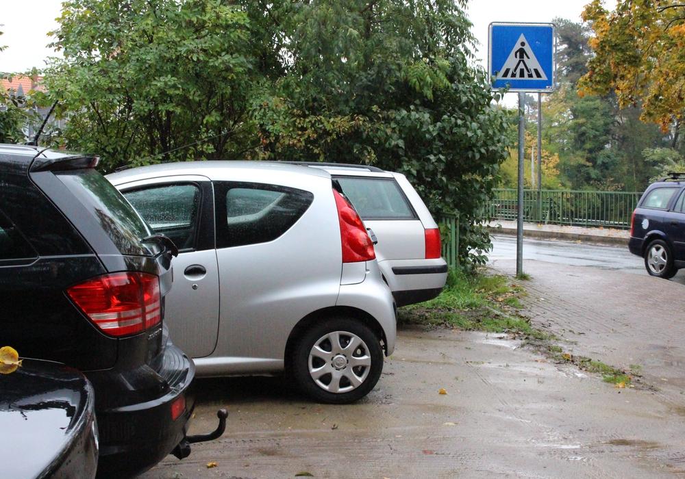 Die Gemeinde will sich künftig selbst um Falschparker kümmern. Symbolfoto: Max Förster