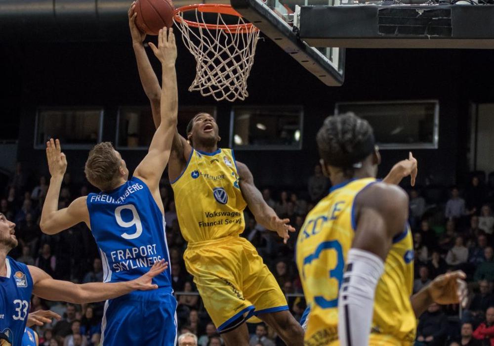 Dank einer tollen Moral siegten die Basketball Löwen im Spiel gegen Frankfurt zum dritten Mal in Folge. Foto: Jan F. Helbig/PresseBlen.de