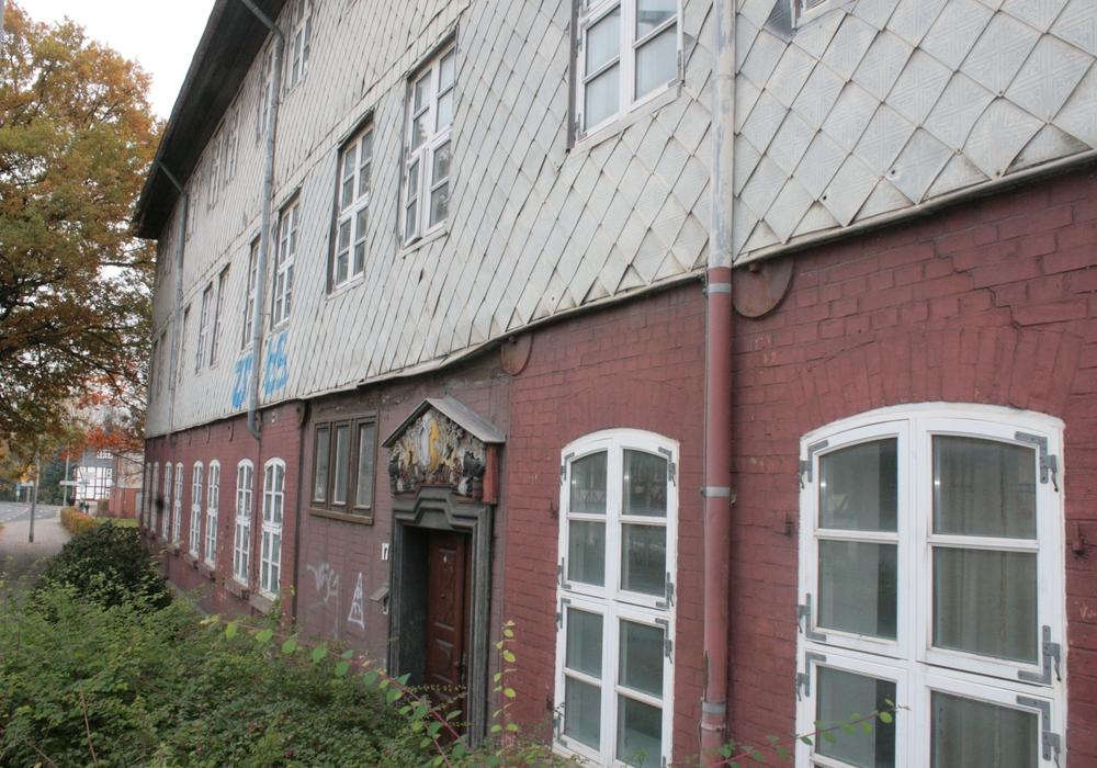 Sanierung des ehemaligen Jugengästehauses zur Flüchtlingsunterkunft wird beraten. Foto: Anke Donner