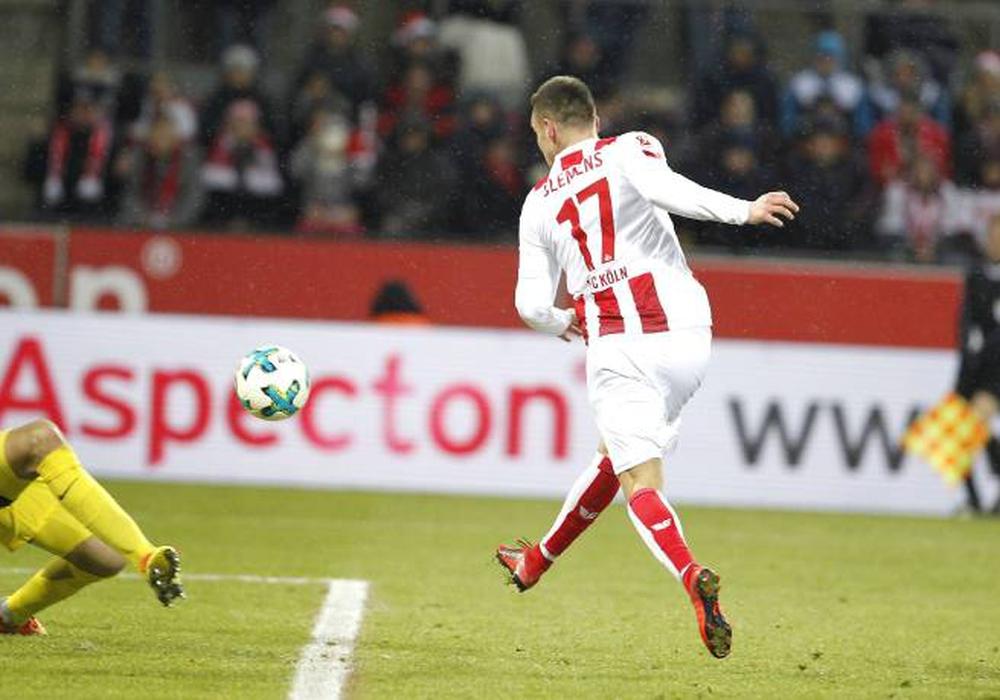 Beim 1:0 durch Christian Clemens hatte Koen Casteels keine Chance. Foto: imago/mika