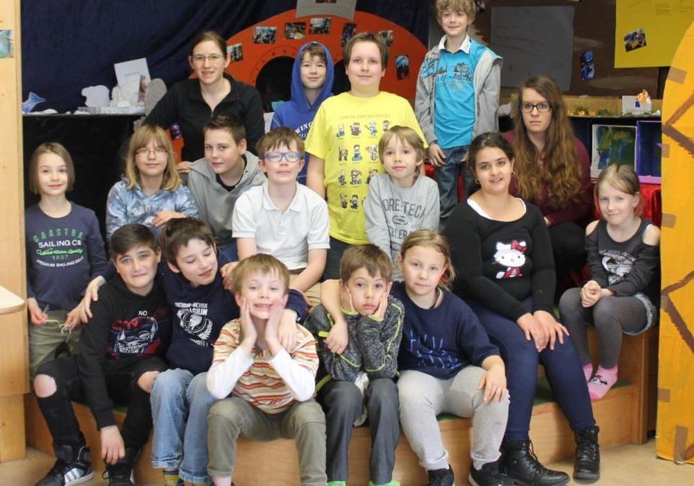 Die Kinder vor der entstandenen Ausstellung. Fotos: Stadt Wolfenbüttel