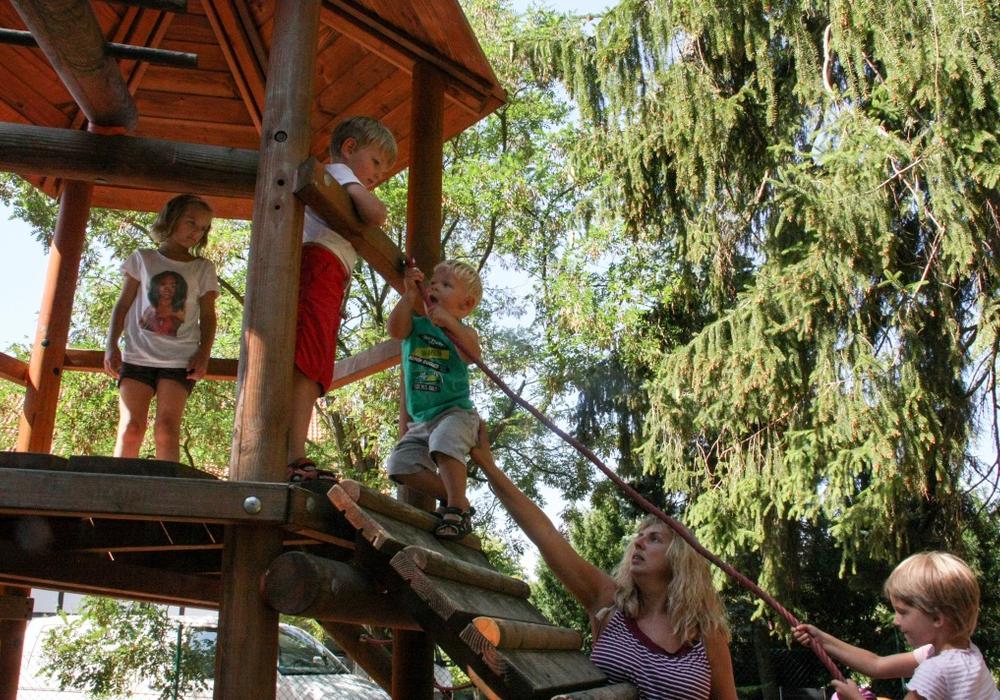 Auf dem Sommerfest gab es für die Kinder viel zu erleben. Fotos: Landkreis Goslar