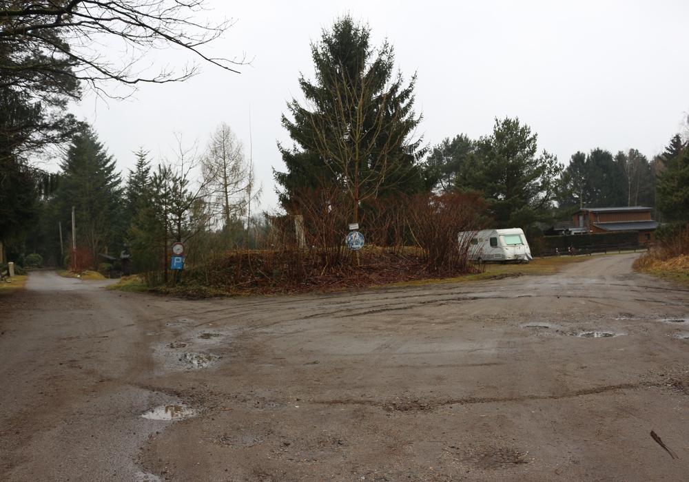 Auf dem Grundstück der Altlastensanierungsanlage in Kästorf wurden erhöhte Methanwerte festgestellt. Fotos/Podcast: Anke Donner