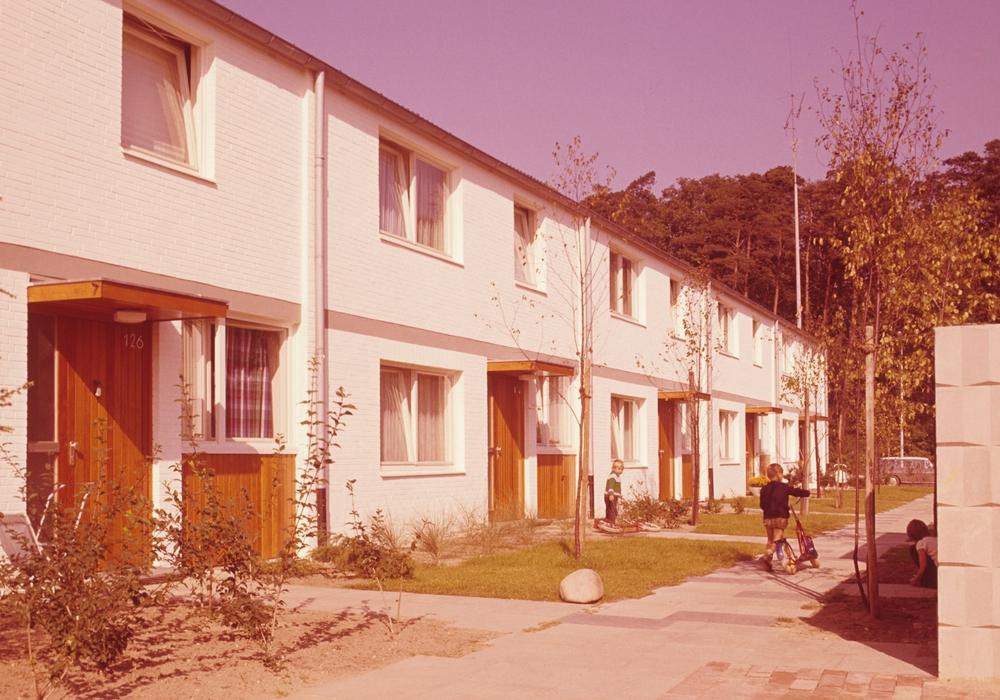 """Teppichsiedlung 1962: Einfamilienhäuser der """"Teppichsiedlung"""" in der Nordstadt, 1962. Foto: unbekannt/ Institut für Zeitgeschichte und Stadtpräsentation."""