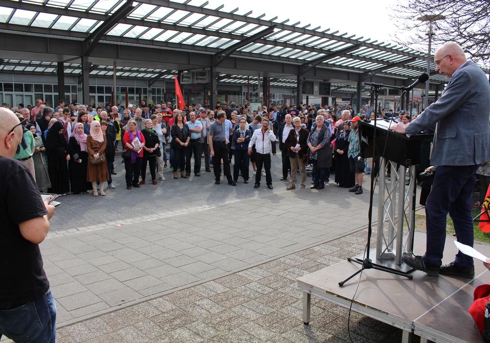 Viele Peiner setzten ein Zeichen gegen Hass und für ein friedliches Miteinander. Fotos/Videos: Bernd Dukiewitz