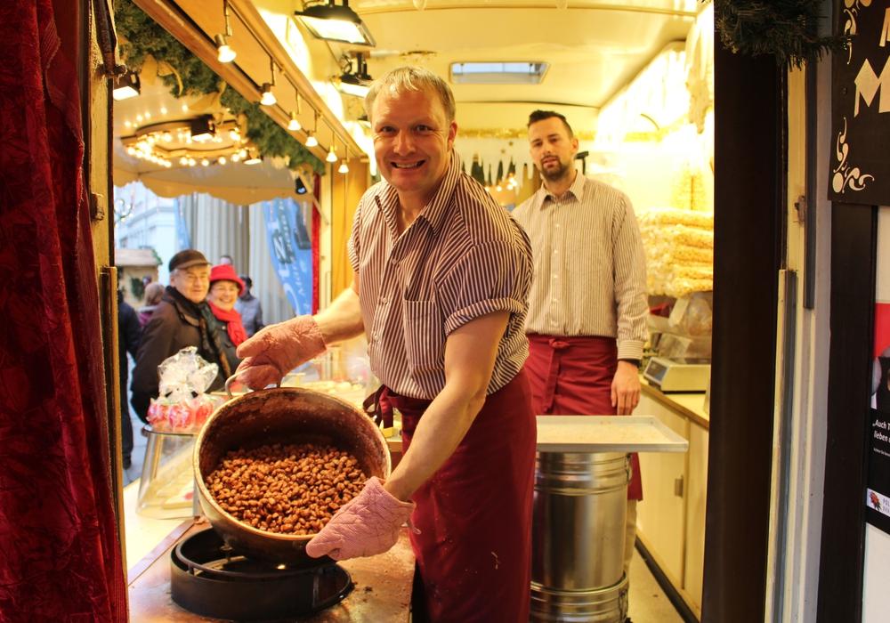 Markus Meier an seinem Weihnachtsmarktstand. Archivbild