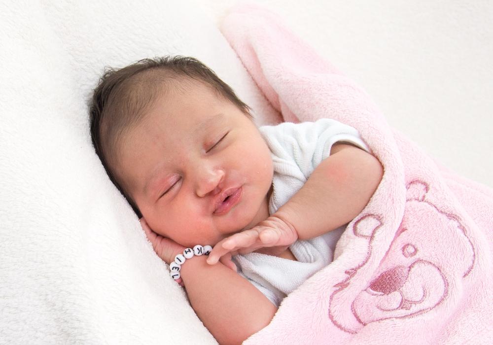 Willkommen, Nilah Safa Omarkhiel. Foto: Karen Sierigk, Städtisches Klinikum