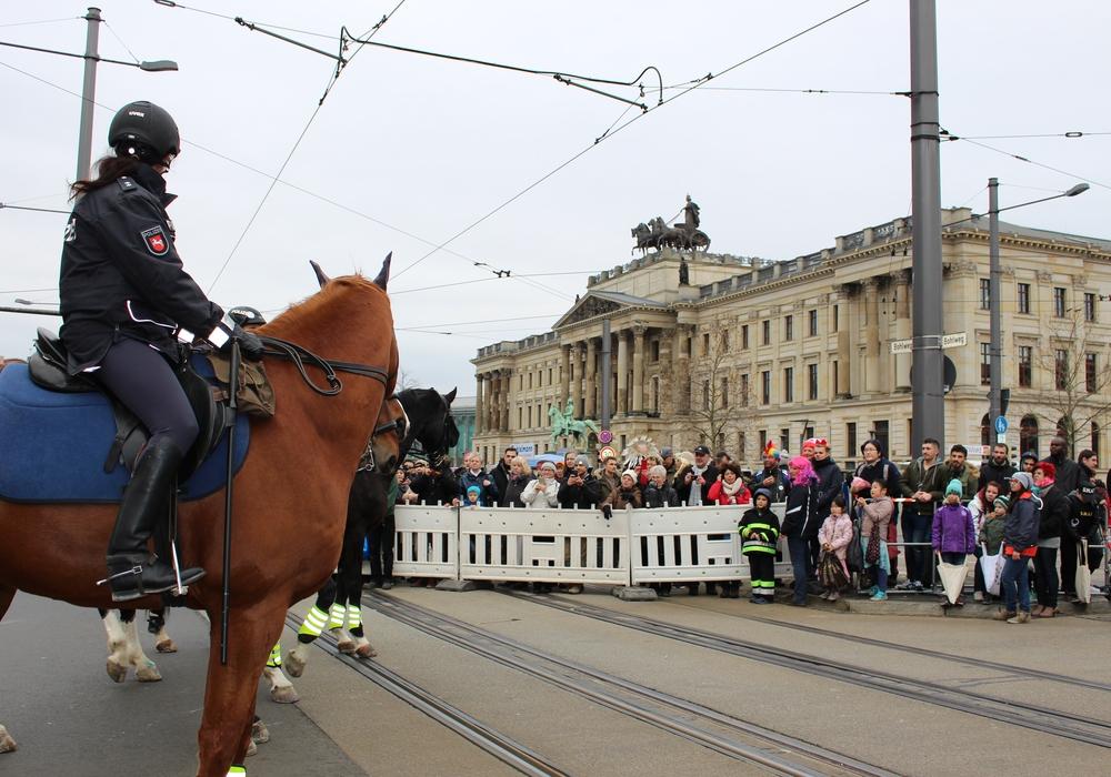 Polizei und Sanitätsdienste ziehen nach dem Schoduvel eine positive Bilanz. Foto:
