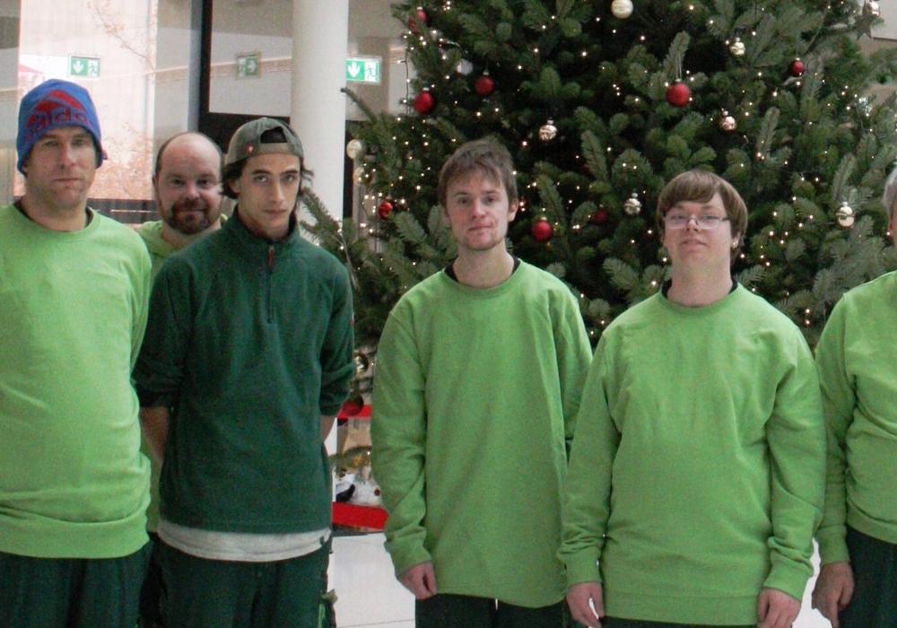 Im Landtag steht ein Neuerkeroder Weihnachtsbaum. Foto: Evangelische Stiftung Neuerkerode