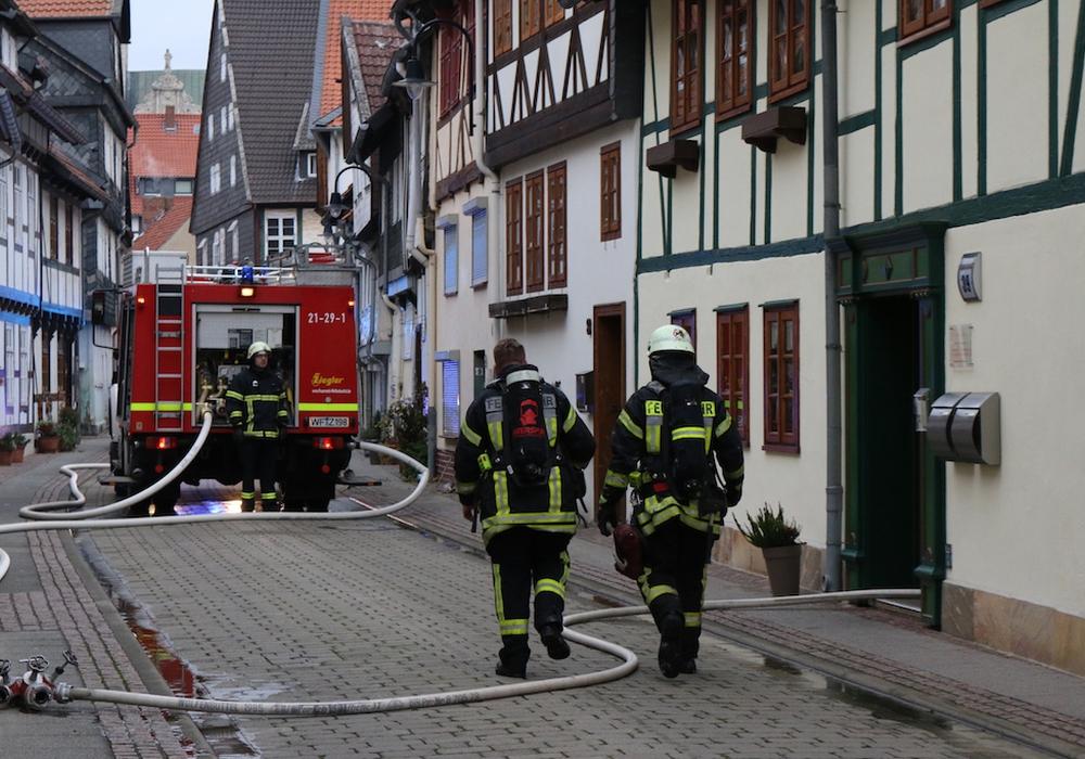 Am Rande des Einsatzes in der Krummen Straße kam es zu zwei Zwischenfällen. Foto: Werner Heise, Videos: aktuell24(BM)