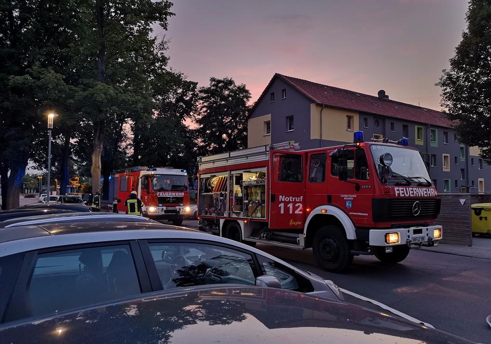 Beim Eintreffen und nach Sichtung der Lage, mussten die Kameraden nachalarmieren. Fotos: Stadtfeuerwehr-Presse-Team Jannik Jäger
