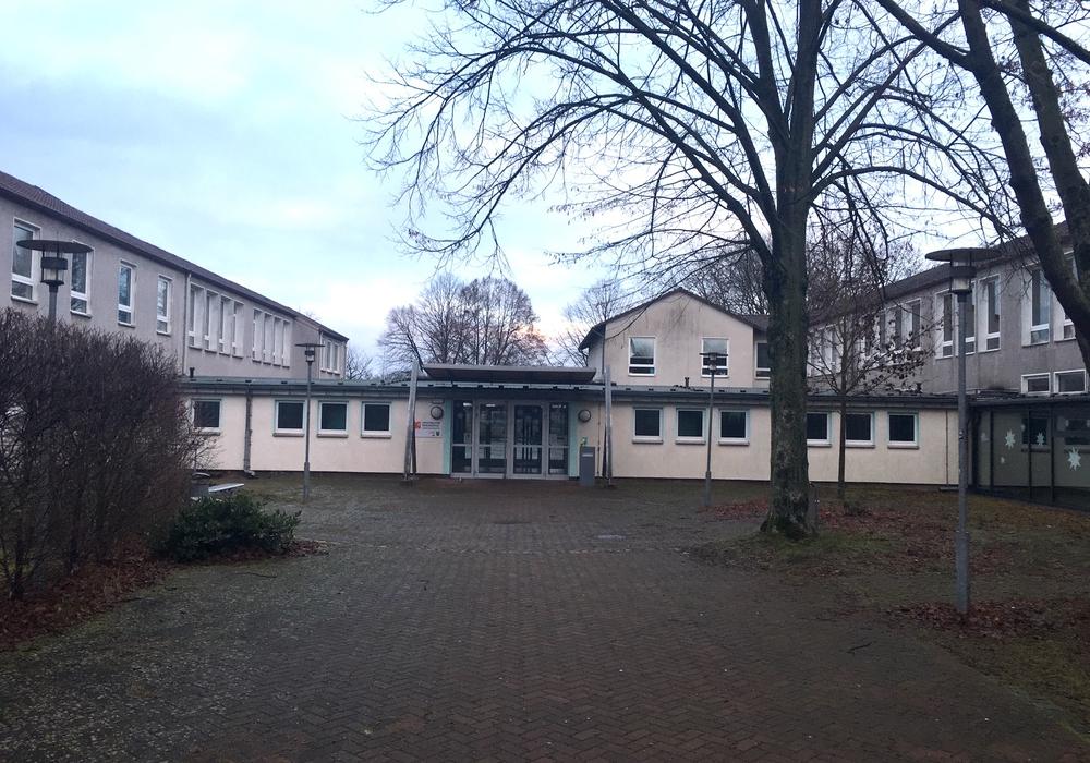Die ehemalige Alfred-Teves-Schule wurde zur neuen Fritz-Reuter-Realschule. Archivbild