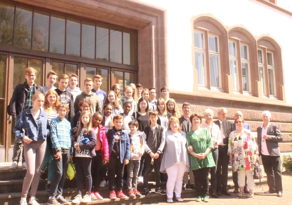 Am Freitag empfing Landrätin Christiana Steinbrügge die Gäste aus der Partnerstadt Cachan. Foto: Anke Donner