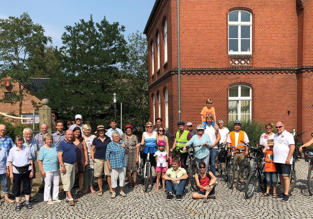 Die Teilnehmergruppe in Ehmen. Foto: Michaelis Kirchengemeinde