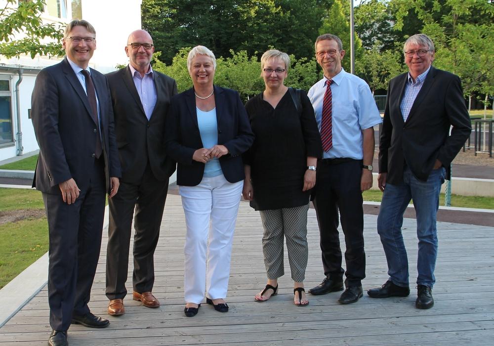 Der ready4work-Vorstand begrüßte sein neues Mitglied Dr. Frank Fabian (links). Foto: Wolfsburg AG
