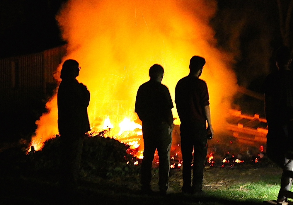 Am 15. April ist in Destedt Osterfeuer. Symbolfoto: Werner Heise