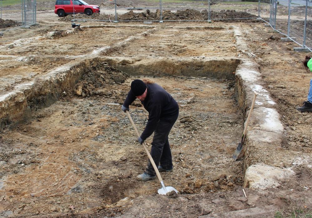 Ein Teil der bei der Ausgrabung gefundenen Fundamente sollen vor Ort erhalten bleiben. Foto: Sandra Zecchino