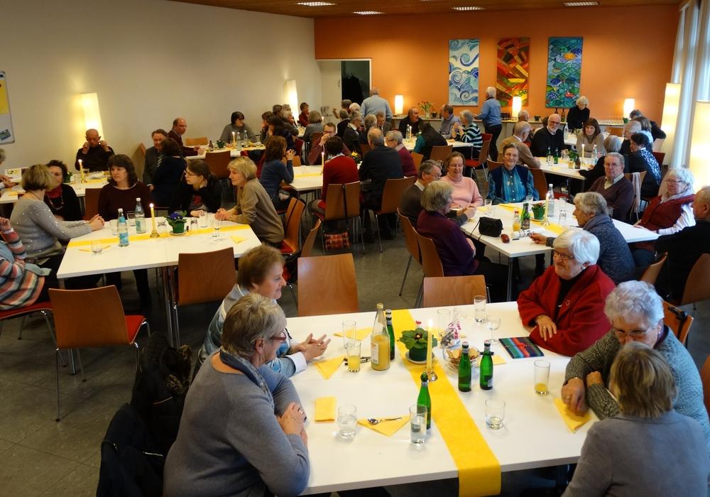 Der Kirchenvorstand der St. Thomaskirche lud zum Mitarbeiter-Dank. Foto: Riekeberg