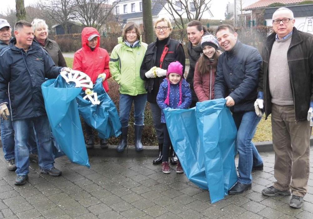 Der CDU-Stadtverband beteiligte sich am Putztag. Foto: Dr. Michael Kyas