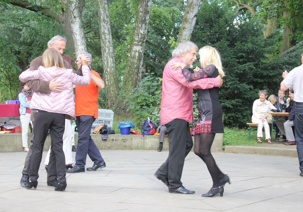 Tanzveranstaltungen sollen aus der Vergnügungssteuersatzung der Stadt gelöscht werden. Symbolfoto: Max Förster