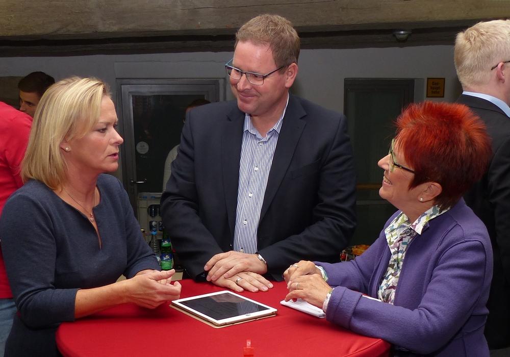 Von links: Dunja Kreiser, Marcus Bosse und Dörthe Weddige-Degnehardt. Foto: SPD