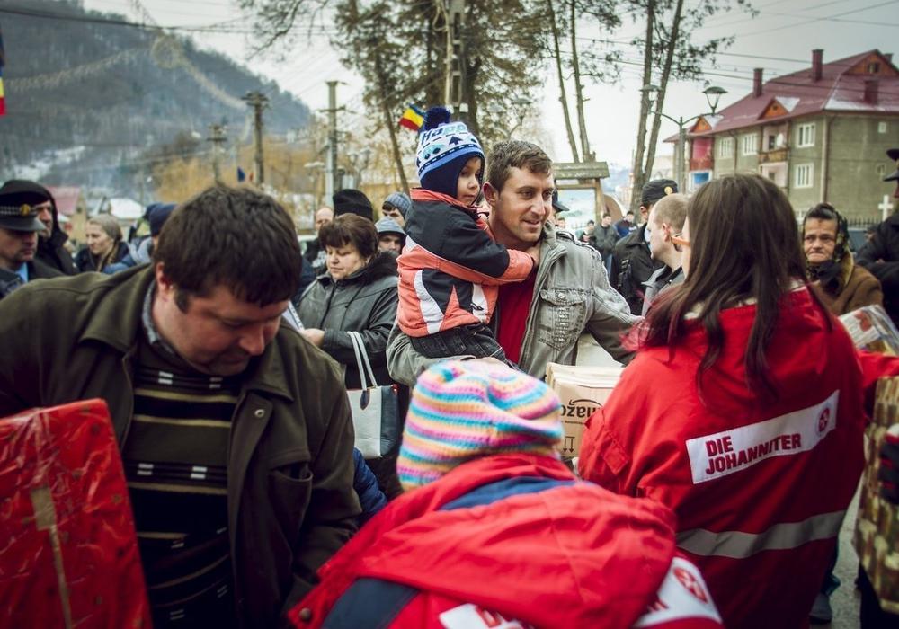 Die Johanniter bitten um Hilfe beim Sammelprojekt für Menschen in Südosteuropa. Fotos: Johanniter