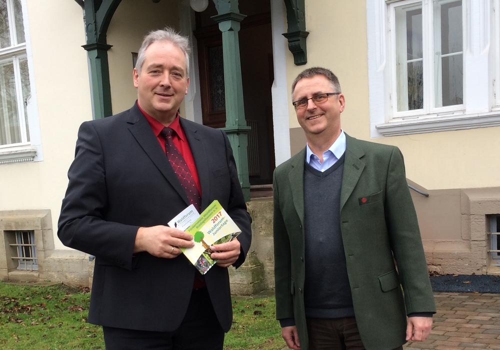 Der CDU-Landtagsabgeordnete Frank Oesterhelweg das Forstamt Wolfenbüttel. Foto: Oesterhelweg