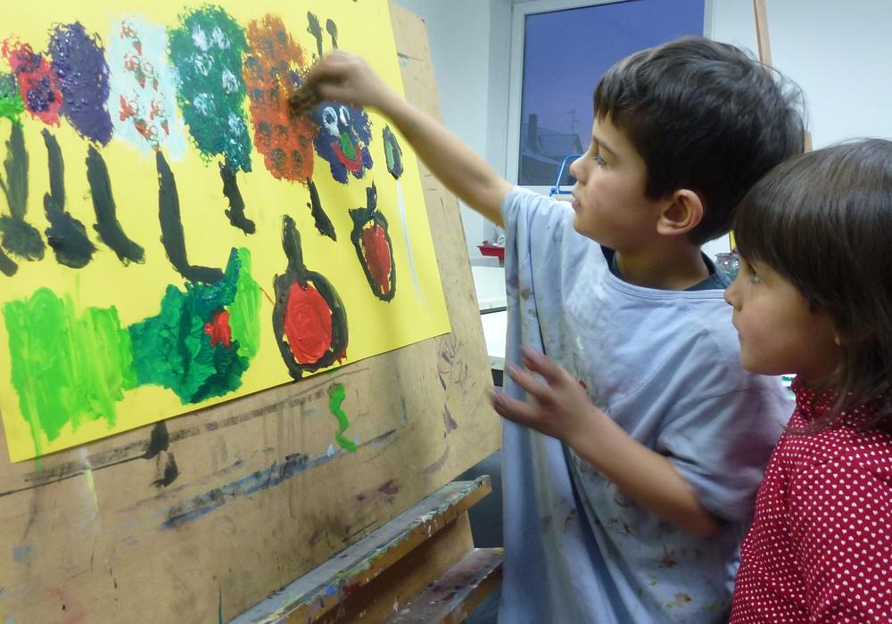 6 Monate gemeinsam musizieren malen und tanzen -das Programm der Musischen Orientierung für Kinder zwischen fünf und sieben Jahren startet am 10. März. Foto: CJD