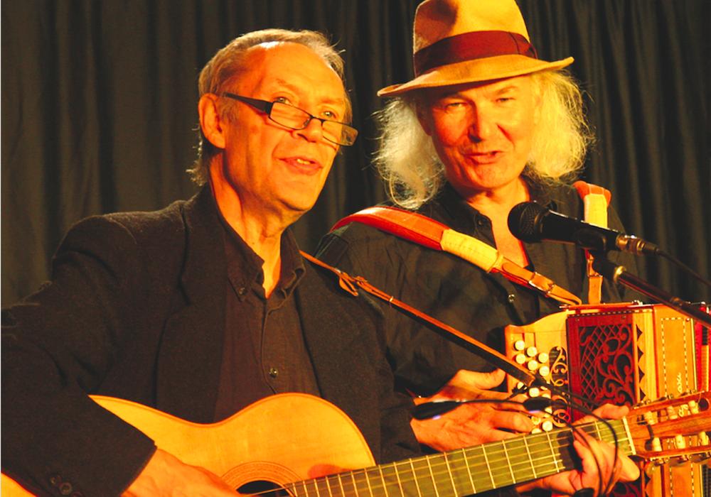 ECHT VERBOTEN! Achim Amme und Ulrich Kodjo Wendt (Ein Joachim-Ringelnatz-Programm – mit Musik). Foto: Burghard Battran