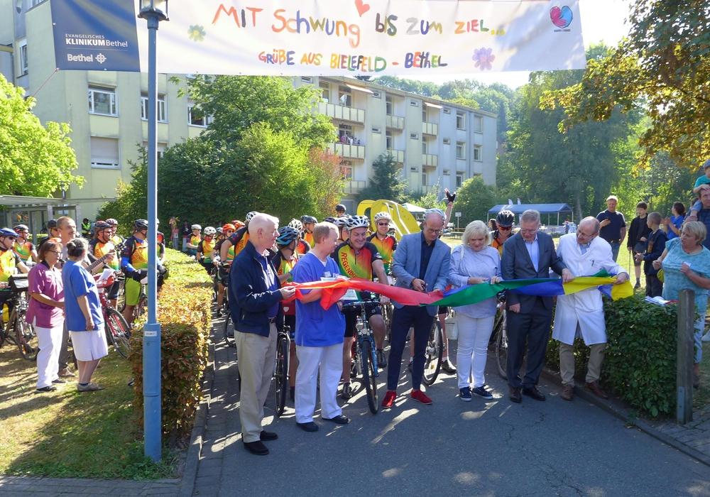 Der heutige Tourstart in Bielefeld. Foto: Deutsche Kinderkrebsstiftung
