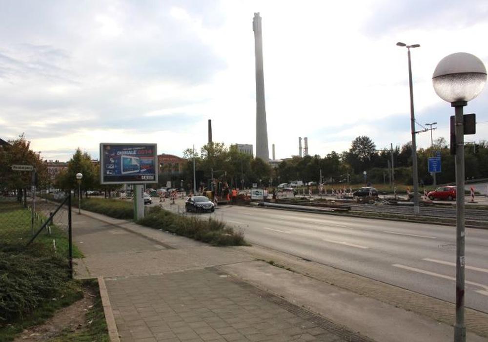 Die Arbeiten rund um die Hamburger Straße werden wohl noch bis Herbst 2015 andauern. Foto: Robert Braumann
