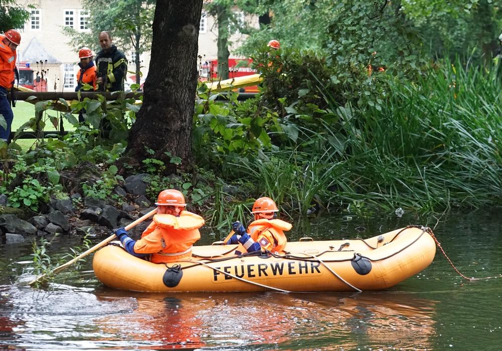 Am Samstag waren die zukünftigen Brandschützer der Feuerwehr Bad Harzburg in der Kurstadt aktiv – im Schlosspark gab es eine große Ölübung abzuarbeiten. Foto: Feuerwehr Bad Harzburg