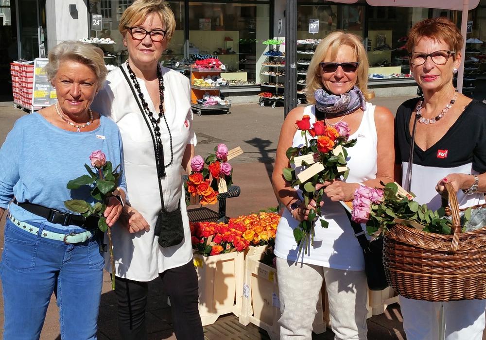 Marita Braun, Marina Kozinowski, Silvia Krause, Petra Bolien, es fehlt Brita Schulz