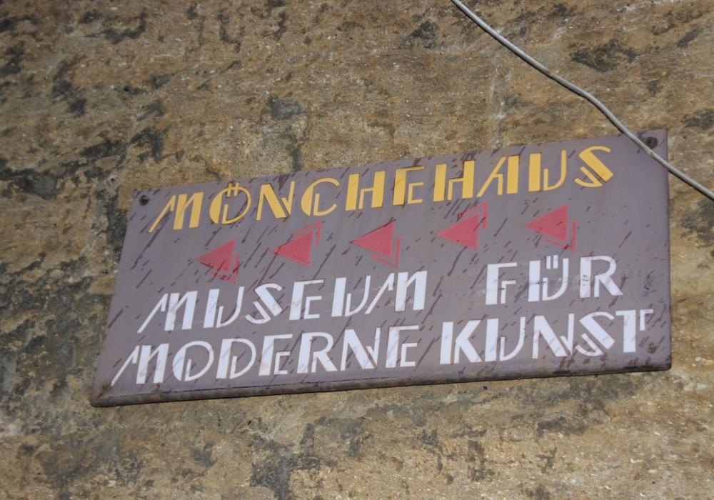 Besucher des Mönchehaus Museum erhalten am 4. September 2016 um 11 Uhr eine kurze Einführung in die chinesische Technik Qigong. Foto: Anke Donner