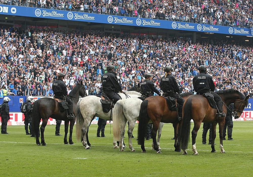 Bundesweite Stadionverbote sind nach einer Entscheidung der Karlsruher Richter gültig. Symbolfoto: Agentur Hübner