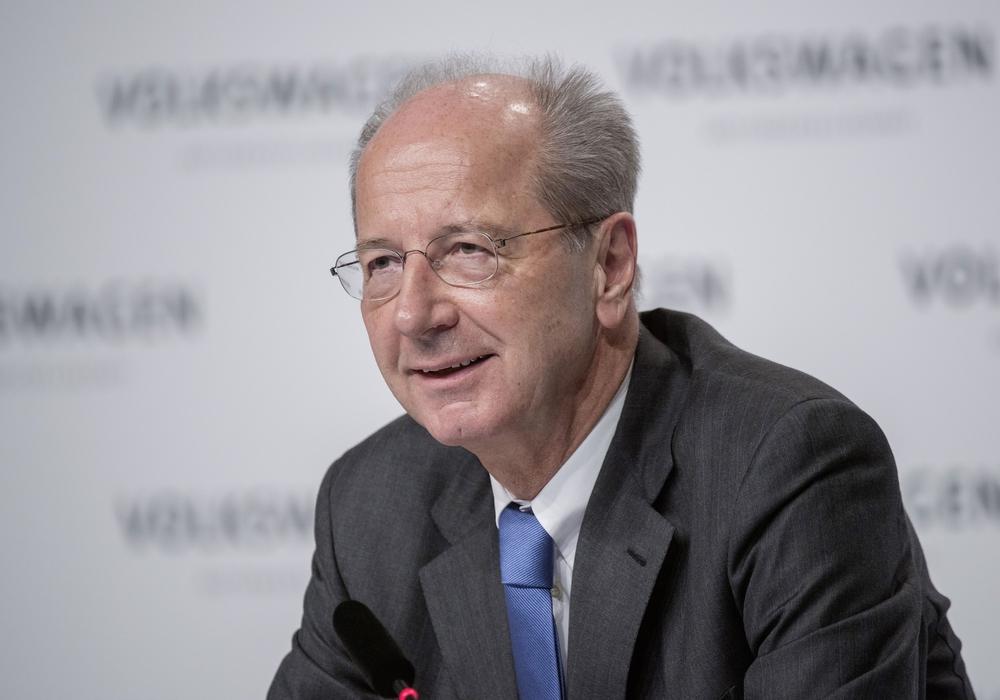 Hans Dieter Pötsch muss den Gürtel enger schnallen. Foto: Volkswagen