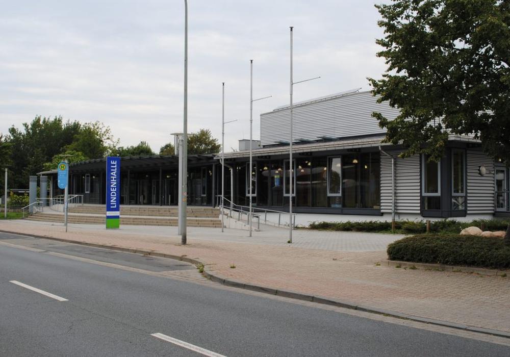 Es ist wieder Klamotti-Markt in der Lindenhalle Symbolfoto: Lindenhalle/Archiv