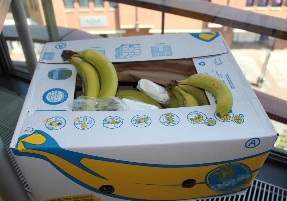 """Kokain in einer Bananenkiste spielt eine nicht unwichtige Rolle in  Bernhard Aichners Roman """"Der Fund"""", den er am 29. Oktober im Martino-Katharineum vorstellt. Fotos und Podcast: Alexander Dontscheff"""