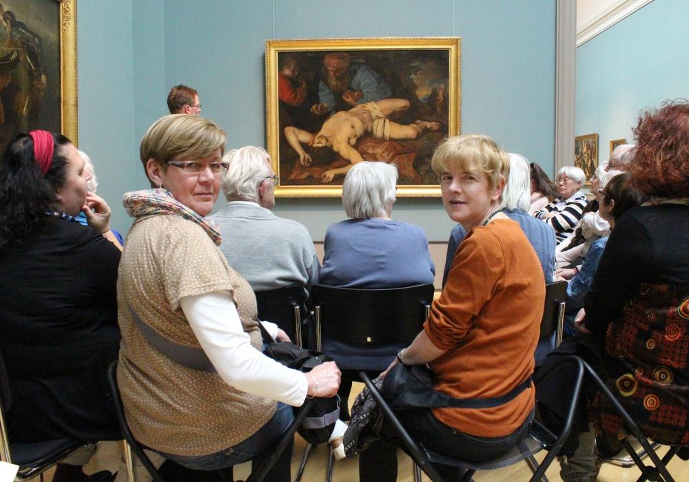 Ingrid Phaesant (links) und Christine Scharf im Herzog-Anton-Ulrich-Museum. Foto: Privat