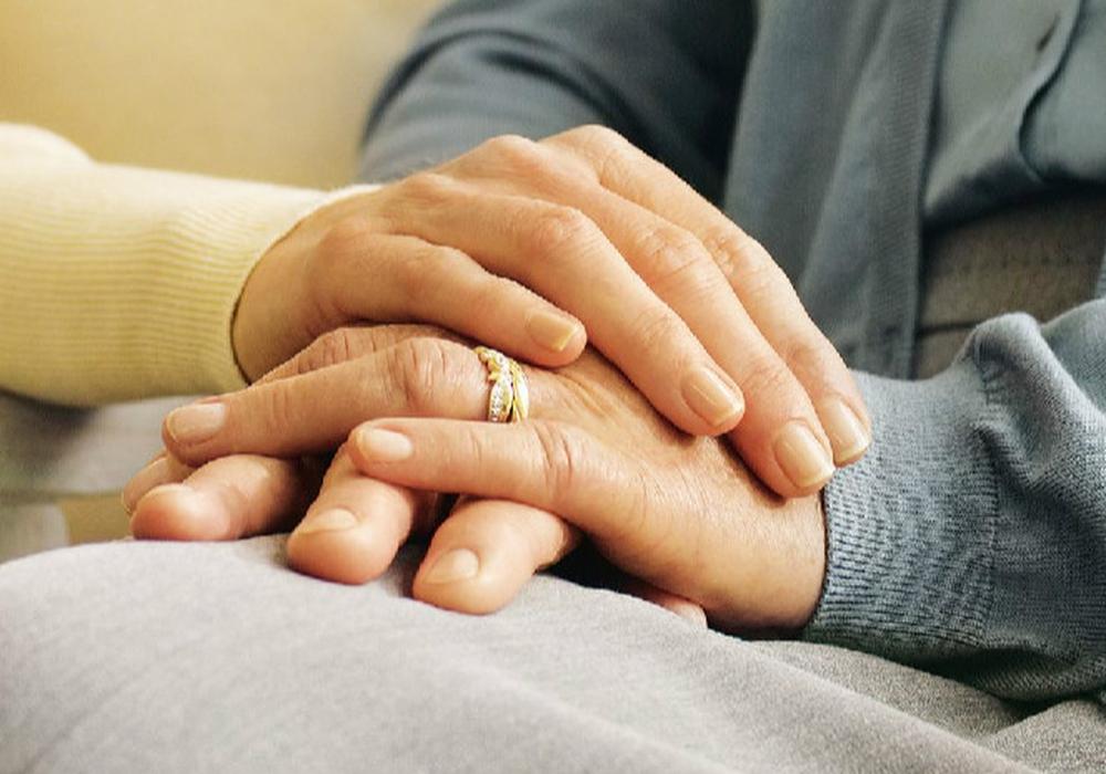Ambulante Hospizarbeit: Sterbenden Menschen ein möglichst würdevolles und selbstbestimmtes Leben bis zum Ende ermöglichen. Foto: AOK