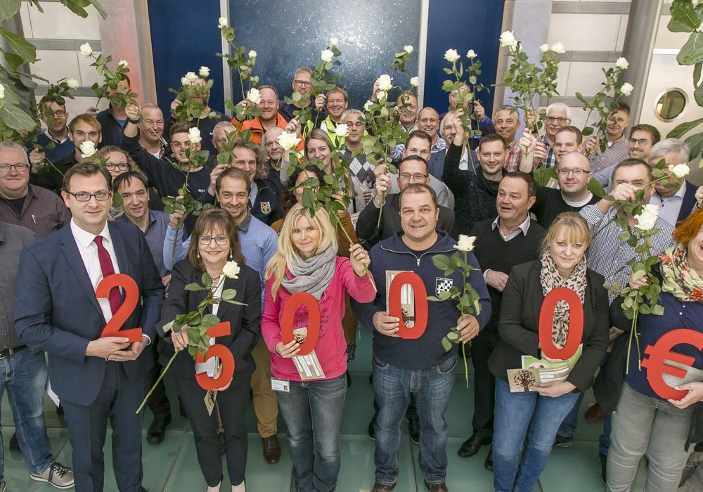 50x500 Rosen für das Ehrenamt. Foto: Peter Sierigk