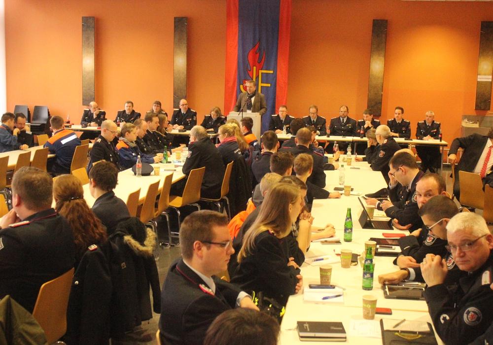 Am Samstag fand die Delegiertenversammlung der Braunschweiger Jugend- und Kinderfeuerwehren in der PTB statt. Fotos: Anke Donner