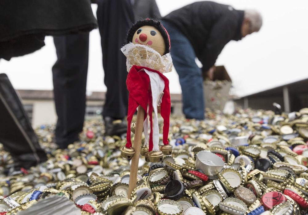 20 Millionen Kronkorken wurden seit August 2013 gesammelt und zu Geld gemacht. Die Aktion wird nun verlängert. Foto: Peter Sierigk