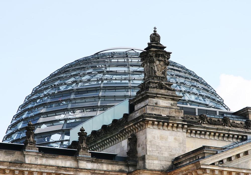 Acht Kandidaten wollen für den Wahlkreis 51 in den Bundestag. Symbolbild: pixabay
