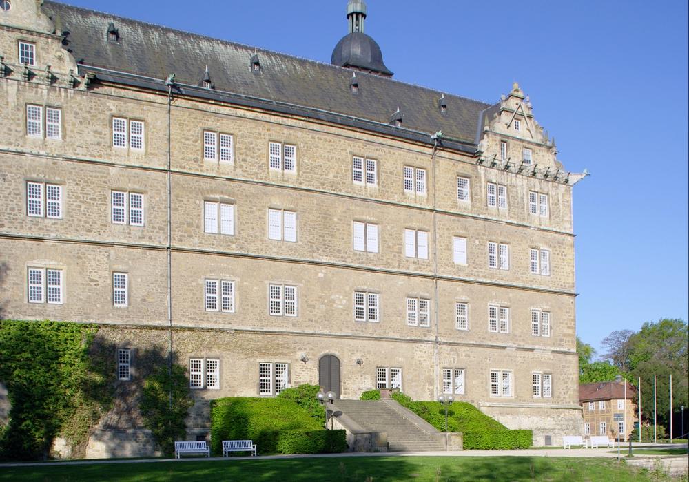 Schloss Wolfsburg – der Ostflügel spiegelt sich in der Aller. Foto: Stadtmuseum Schloss Wolfsburg