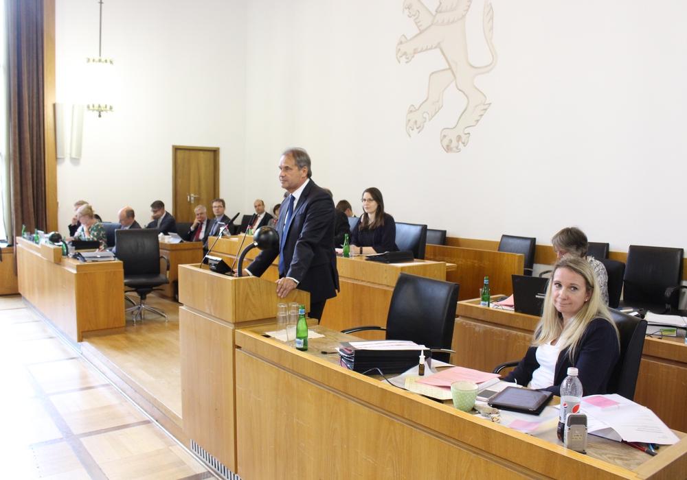 Die Ratsmitglieder nahmen den Antrag der Verwaltung einstimmig an. Foto: Sandra Zecchino (Archiv)