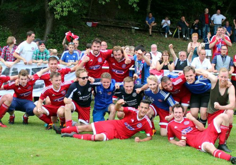 Die SG Roklum/Winningstedt sicherte sich am Pfingstsamstag den Aufstieg in die Bezirksliga. Fotos: Bernd-Uwe Meyer