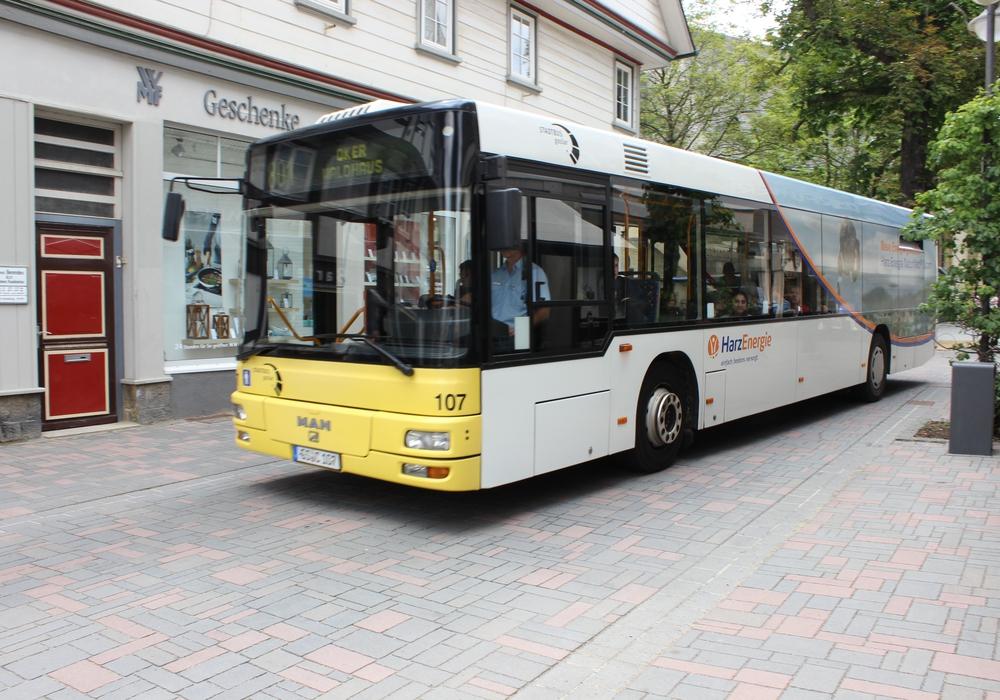 Die Wählergemeinschaft Langelsheim (WGL) kritisiert auch die Anschlussmöglichkeiten an den Stadtbus. Symbolfoto: Anke Donner