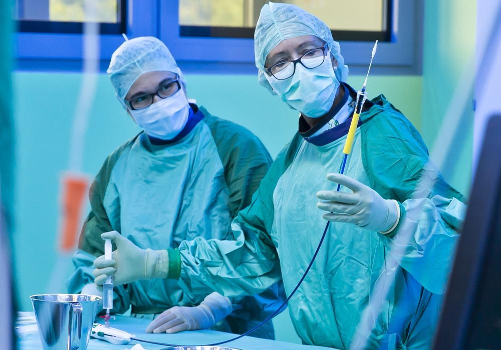 OP-Pflegefachkräfte am Arbeitsplatz. Foto: Klinikum Braunschweig/Jörg Scheibe