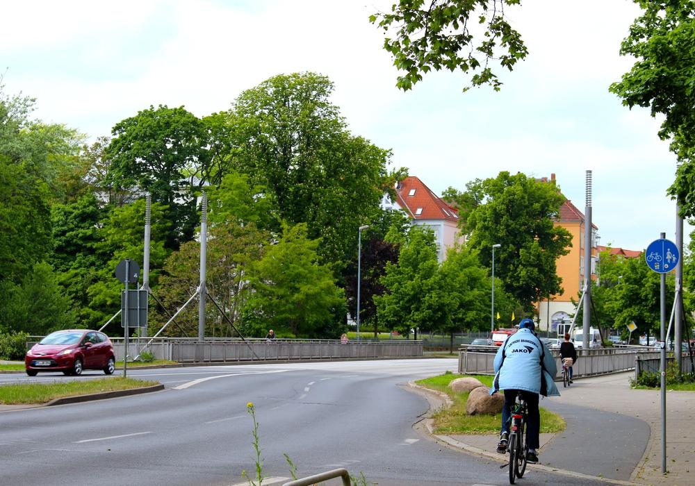 Die Behinderungen betreffen die Celler Straße. Foto: Sina Rühland